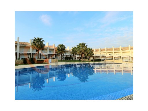 2 bedroom apartment for sale in Albufeira, Algarve | 2 Bedrooms | 2WC