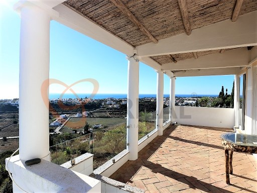 4 bedroom villa with sea view and field in Albufeira | 4 Bedrooms | 4WC