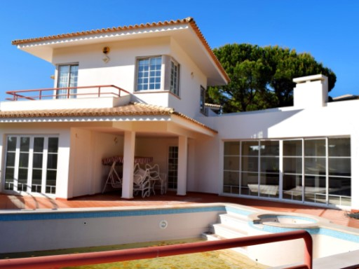 VILLA IN VALE GARRAO W/POOL-PRICE REDUCTION! | 7 Bedrooms | 1WC