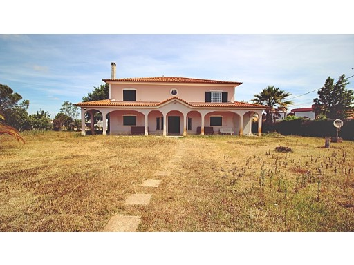 Fifth V7 in Pinhal Novo with 5,800 m2 plot area | 7 Bedrooms | 2WC