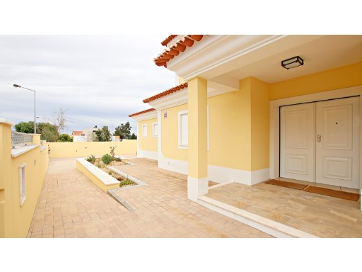 Great House V5 new semi-Auto w/garage | 5 Bedrooms | 3WC