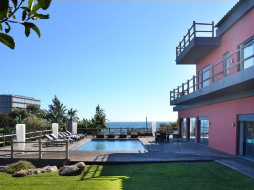 House › Cascais | 9 Bedrooms | 8WC