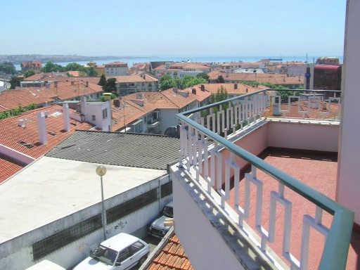 Duplex › Cascais | 4 Bedrooms | 2WC