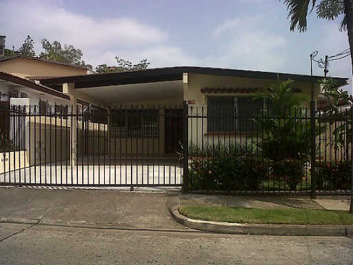 House › Panamá | 3 Bedrooms | 2WC