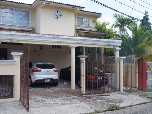 House › Panamá | 1 Bedroom | 1WC