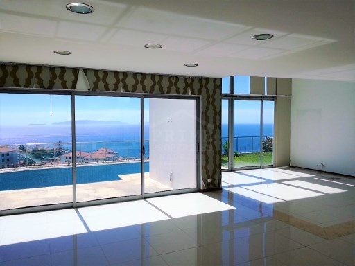 Fabulous modern four bedroom villa located in Santa Cruz with amazing ocean views! | 4 Bedrooms | 4WC
