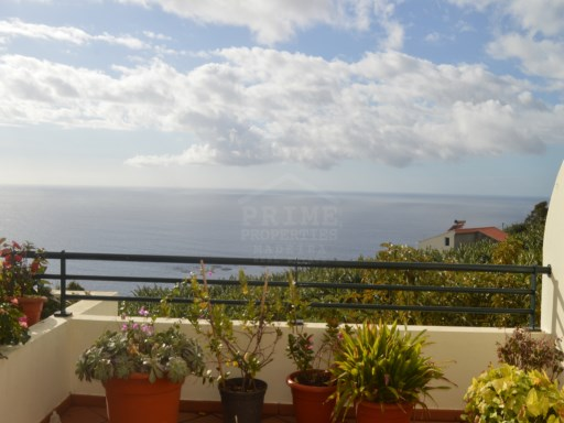Two bedroom apartment for sale in sunny Calheta.  | 2 Bedrooms