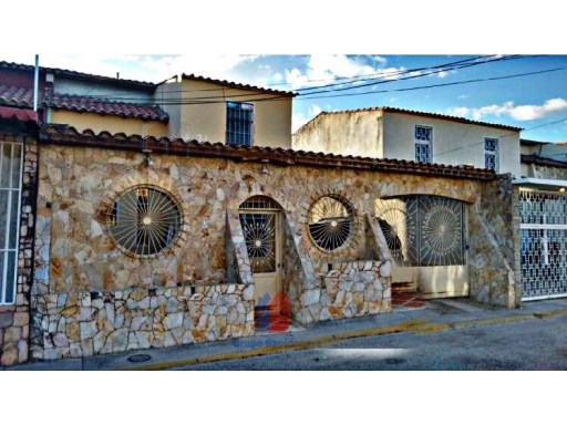 House › Sucre | 4 Bedrooms + 1 Interior Bedroom | 3WC