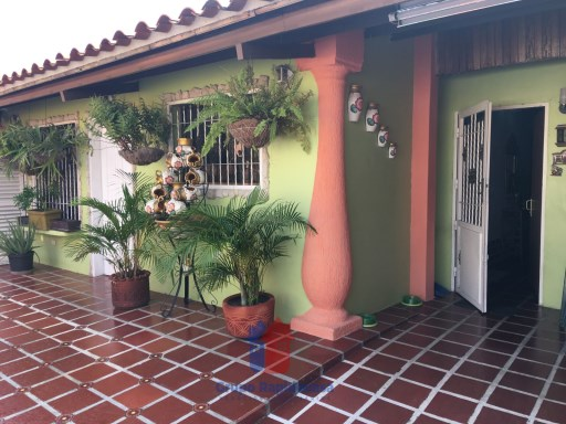 House › Santiago Mariño | 3 Bedrooms + 2 Interior Bedrooms | 3WC