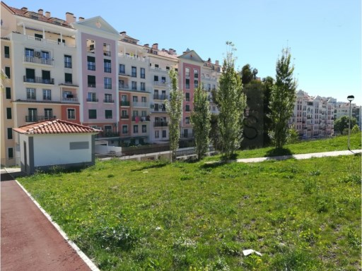 Excellent apartments T2, T3 and T4 with parking and storage in the