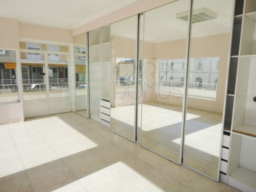Excellent commercial space in the center of Malveira |