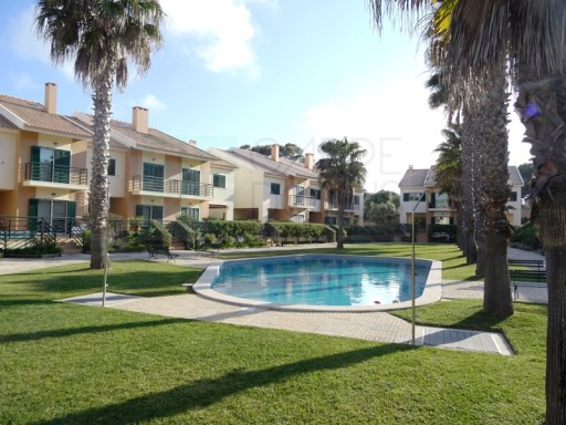 V4 Villa + 3, gated community, pool, nära Guincho, Cascais | 4 Sovrum + 3 Interior Bedrooms | 4WC