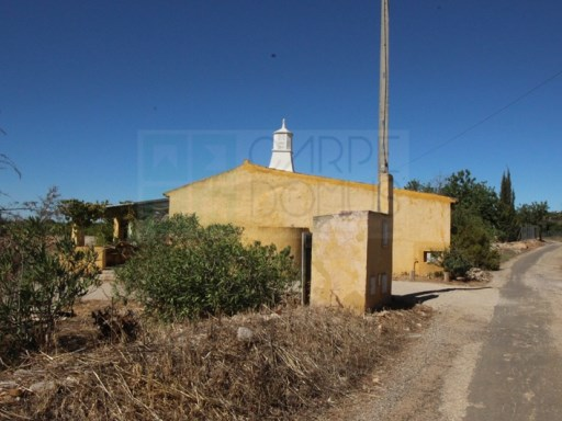Quinta of 16.200 sqm incl. 2 single-storey farmhouses type 2 and 1 beds in Santo Estêvão (Tavira – Algarve) – Reduced! | 3 Bedrooms