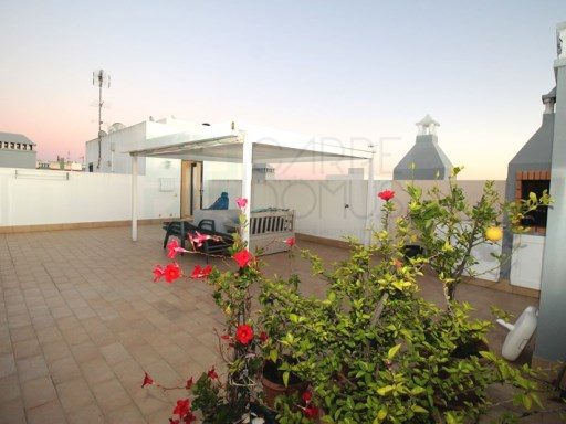 2 Bedroom apartment w/ ample private roof terrace w/ barbecue, lift, garage, in Tavira town centre (Algarve) | 2 Zimmer | 1WC