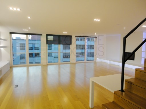 Excellent Duplex apartment T5 to debut in the New Avenues, Lisbon  | 5 Bedrooms | 4WC