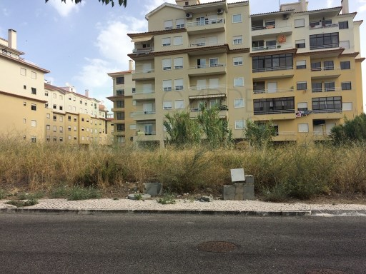 Land for construction of residences in Carcavelos. |
