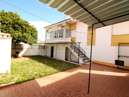House with commercial space › Tavira | 3 Bedrooms | 2WC