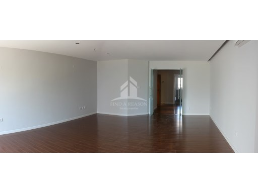 Apartment T4 Parede | 4 Bedrooms | 3WC