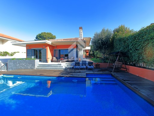 Detached house in Birre, Cascais | 4 Bedrooms | 4WC