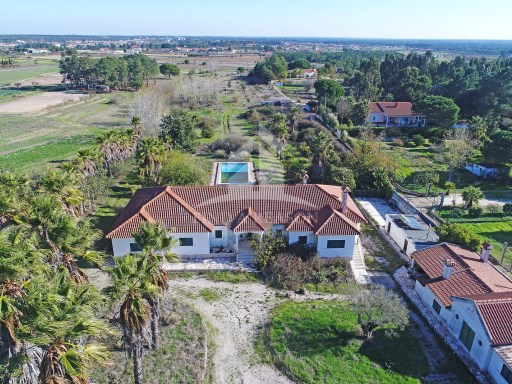 Farm with 2 acres in Benavente | 4 Bedrooms