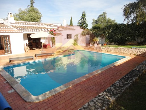 4 Bedroom Villa-For Sale-Portimão, Algarve | 4 Bedrooms | 3WC
