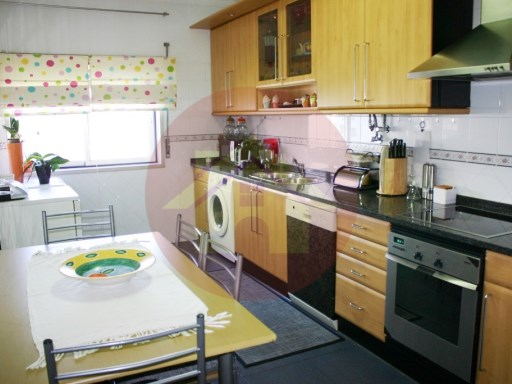 3 Bedroom - Apartment-for sale-Portimão, Algarve | 3 Zimmer | 2WC