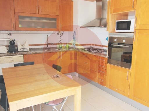 3 Bedroom Apartment-Sale-Portimão, Algarve | 3 Bedrooms | 2WC
