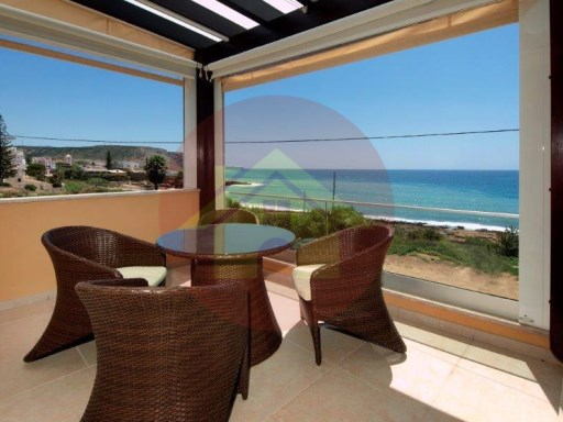 3 bedroom villa-for sale-'Praia da Luz'-Lagos, Algarve | 3 Bedrooms | 3WC