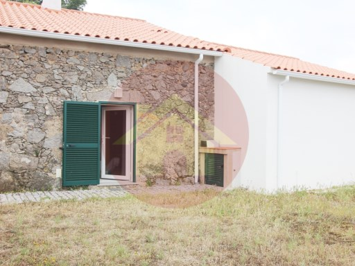 Farm - V1-Sale - Monchique, Algarve | 1 Zimmer