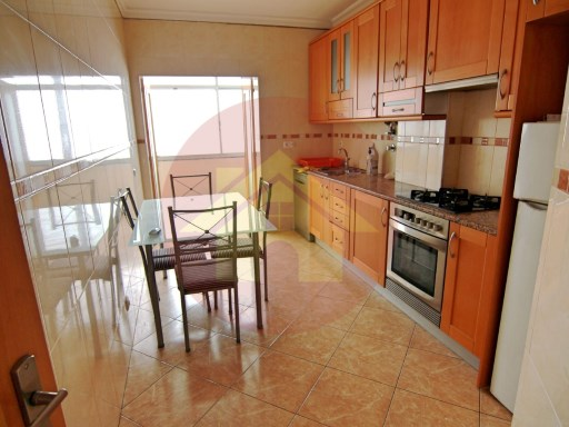 3 Bedroom Apartment-Sale-Gil Eanes-Portimão, Algarve | 3 Bedrooms | 2WC