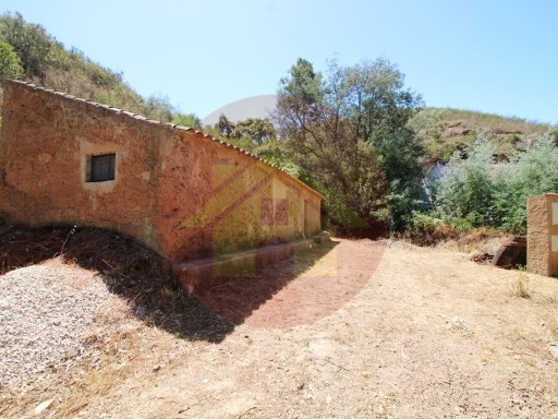 Farm-Sale-Monchique, Algarve | 1 Bedroom