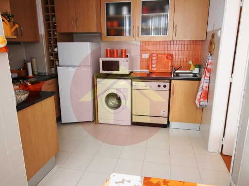 4 Bedroom Apartment- For Sale- Portimão, Algarve | 4 Bedrooms | 2WC