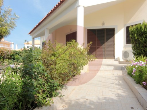 3 bedroom villa-for sale-'Bemposta'-Portimão, Algarve | 3 Bedrooms | 3WC
