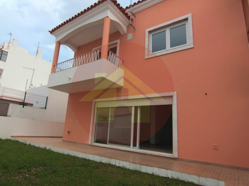 Villa V5-for sale-Portimao-Algarve | 5 Bedrooms | 3WC