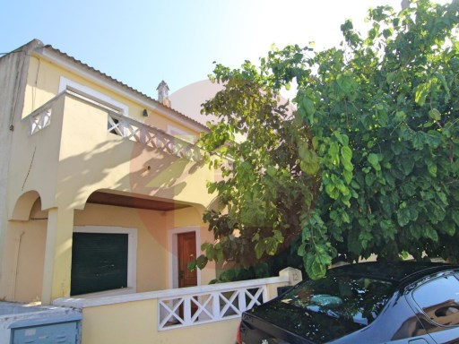 The Bank's property-Villa V5-for sale-Faro, Algarve | 5 Bedrooms | 3WC