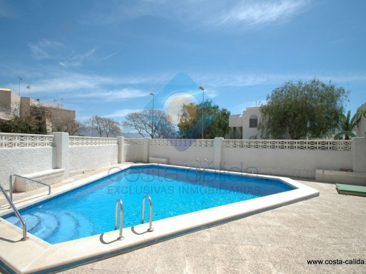 Nice Studio on ground floor located in a complex with pool in the quiet residential area of El Alamillo. |  | 1WC