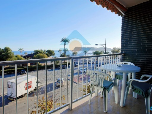 2 bedrooms apartment with front seaviews at El Rihuete beach.  | 2 Bedrooms | 1WC