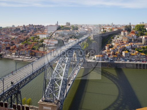 Land for construction center of Porto, opportunity%1/2