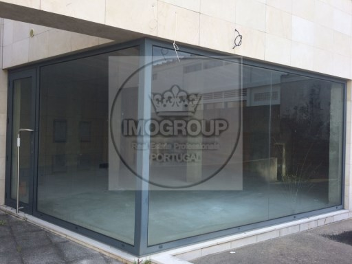 Shop for rent in Anadia, excellent location %3/3