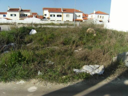 1771a695f6146 TERRENO PARA CONSTRUÇÃO DE MORADIA 2 PISOS COM 252 m2. PROJECTO ...