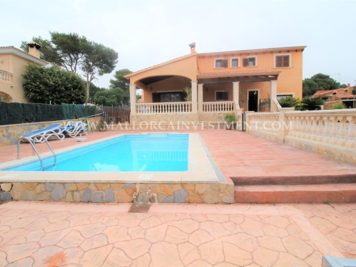 IS VILLA IN TOLLERIC/LLUCMAJOR - MALLORCA INVESTMENT REAL ESTATE FOR SALE | 4 Bedrooms | 3WC