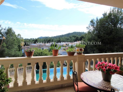 For sale Villa in Paguera, Calvia municipality.  Real estate Mallorca Investment.
