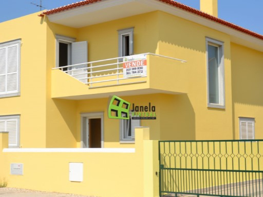 Detached House › Palmela | 4 Bedrooms | 3WC