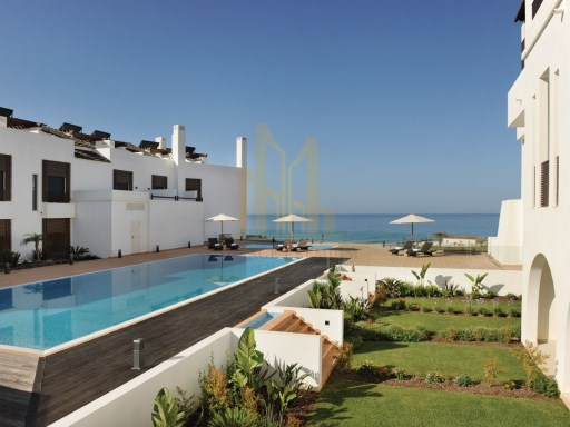 2 bedroom apartment in Luxury Resort on the beach front. Lagos, Algarve%3/24