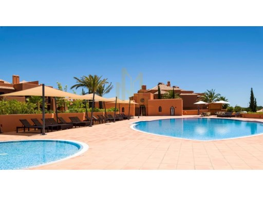 T2 COM PISCINA NO CAMPO DE GOLF EM SILVES, ALGARVE.%11/31