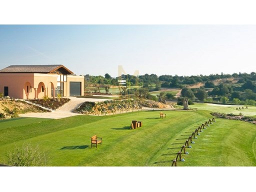 T2 COM PISCINA NO CAMPO DE GOLF EM SILVES, ALGARVE.%30/31