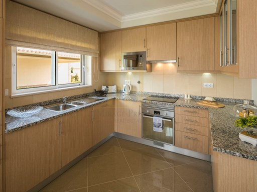 Kitchen of show home%7/9