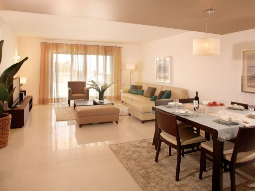 3 bedroom apartment in Luxury Resort on the beach front. Lagos, Algarve%4/26