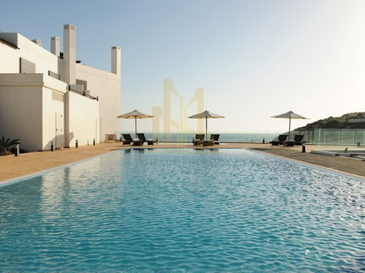 3 bedroom apartment with terrace in Luxury Resort on the beach front. Lagos, Algarve%8/16