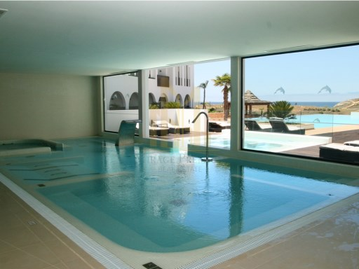 3 bedroom apartment with terrace in Luxury Resort on the beach front. Lagos, Algarve%13/26